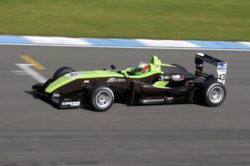 Hywel Lloyd conquista la pole a Spa, 3° Riccardo Ponzio