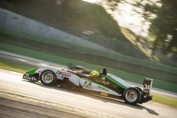 Oltre 20 monoposto a Imola per la tappa della F2 Italian Trophy