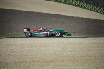 Rivincita di Zanasi su Longhi in Gara 2, Pellegrini sul podio
