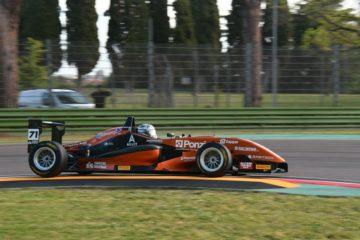 Riccardo Ponzio fa doppietta in Gara2 a Imola